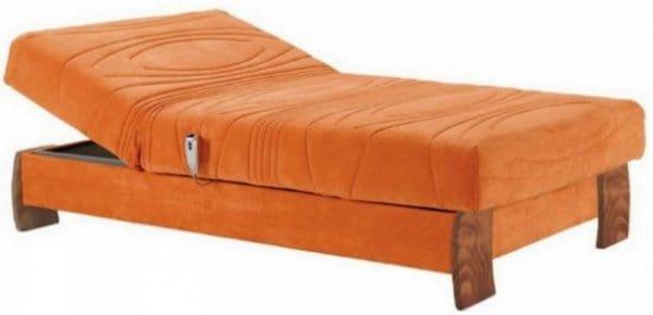 מיטות וחצי עמינח