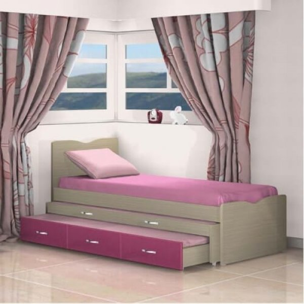 מיטה משולשת